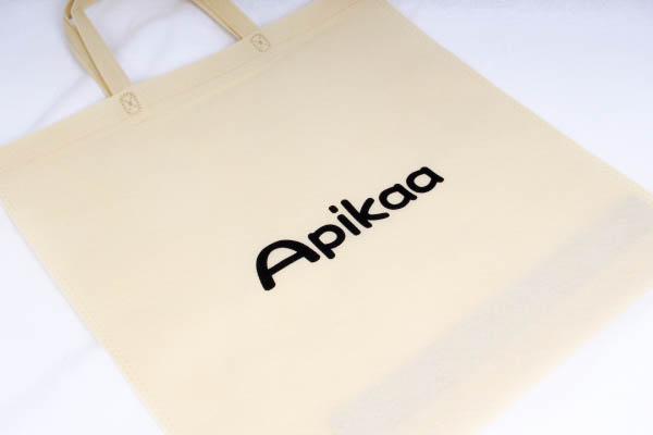 展示会でパンフレット配布用の不織布バッグ