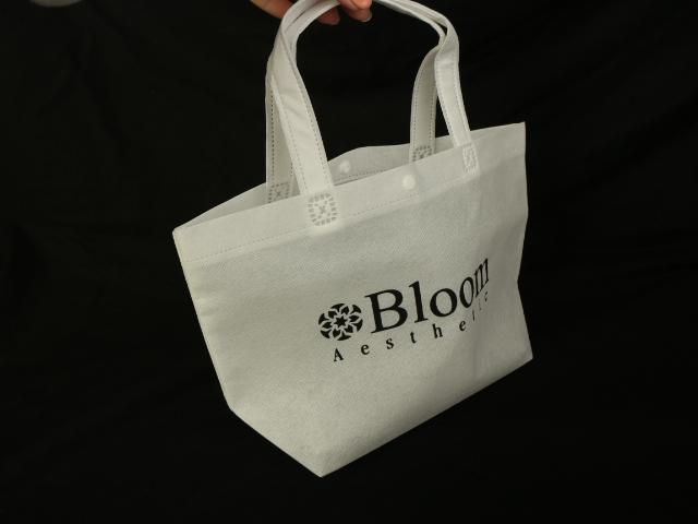 渋谷区のエステティックサロン様オリジナル不織布バッグ