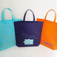 選べて楽しい!3色アソートの不織布バッグ☆